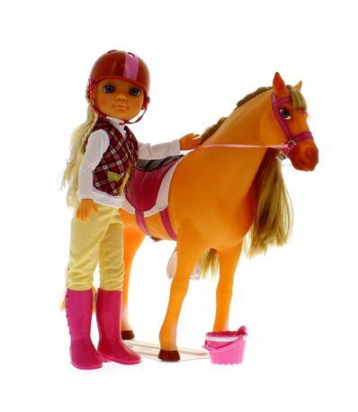 Nancy-Um-Dia-de-Aventuras-a-Cavalo