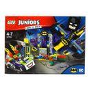 Juniors-Ataque-Lego-Joker-ao-Batcave