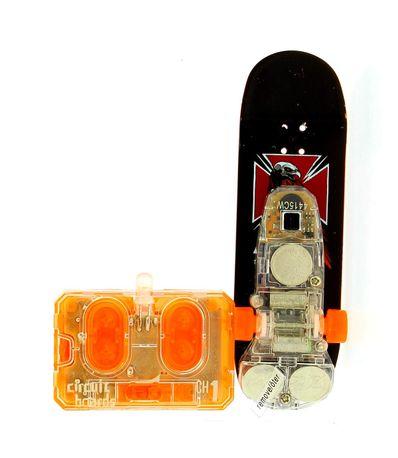 RC-Finger-Skate-Falcon-com-Cruz
