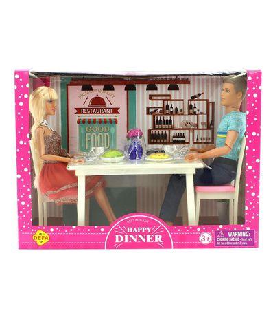 Boneca-e-boneco-de-moda-com-mesa