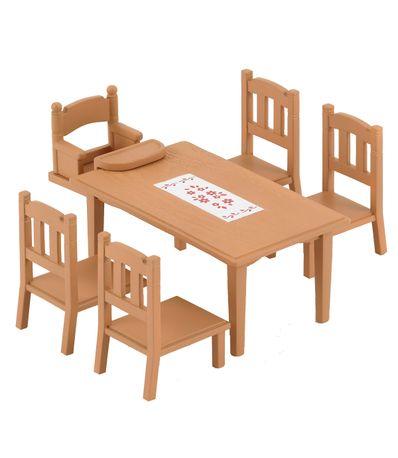Sylvanian-Table-a-manger-en-Septembre