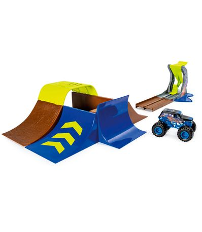 Monster-Jam-Acrobacias-Track-Champ-Ramp-Freestyle