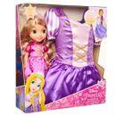 Costume-Rapunzel-avec-poupee-enfant-en-bas-age